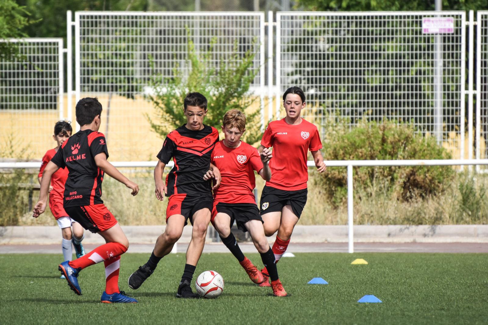 Inicio de temporada en la Escuela de fútbol Fundación Rayo Vallecano